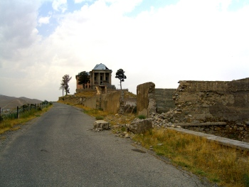Walking up to the old king's palace